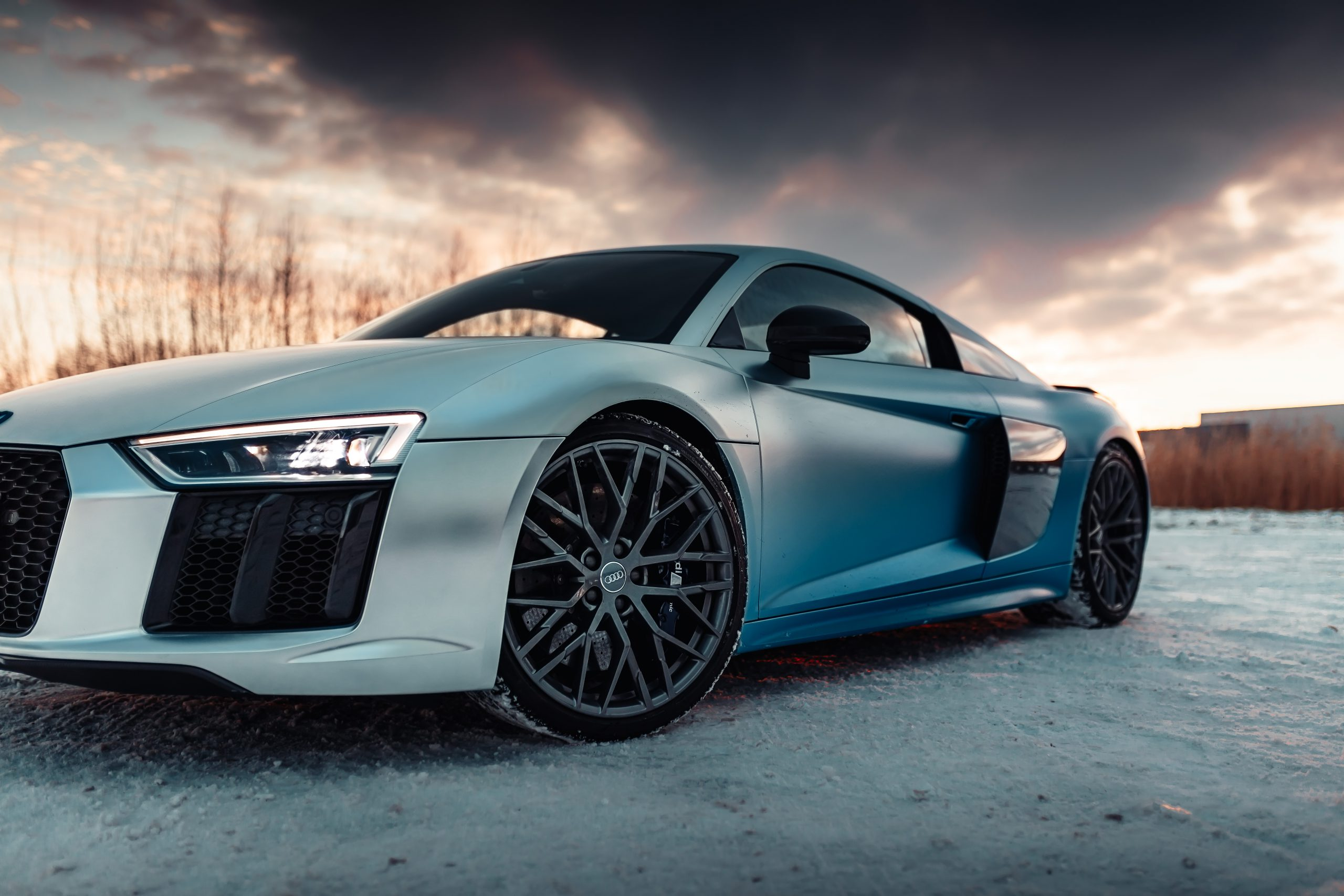 Audi R8 satin chrome fade blue